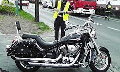 Wypadek z udziałem motocyklisty i samochodu osobowego  - Serwis informacyjny z Rybnika - naszrybnik.com