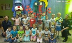 Dzielnicowi rozmawiali z przedszkolakami o bezpiecznych wakacjach - Serwis informacyjny z Rybnika - naszrybnik.com
