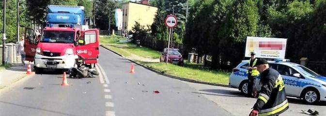 Wypadek z udziałem motorowerzysty. Kierujący jednośladem trafił do szpitala - Serwis informacyjny z Rybnika - naszrybnik.com