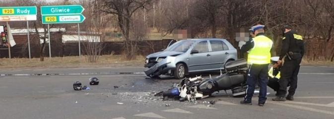 Zderzenie samochodu osobowego z motocyklem - Serwis informacyjny z Rybnika - naszrybnik.com