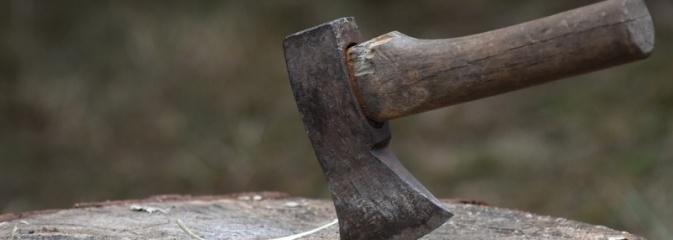 25-latek zniszczył siekierą siedem pojazdów - Serwis informacyjny z Rybnika - naszrybnik.com