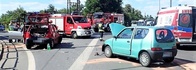 Wypadek na ulicy Małachowskiego. Trzy osoby w szpitalu - Serwis informacyjny z Rybnika - naszrybnik.com