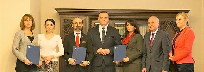 Porozumienie o współpracy podpisane. Miliony złotych na staże i konkursy - Serwis informacyjny z Rybnika - naszrybnik.com