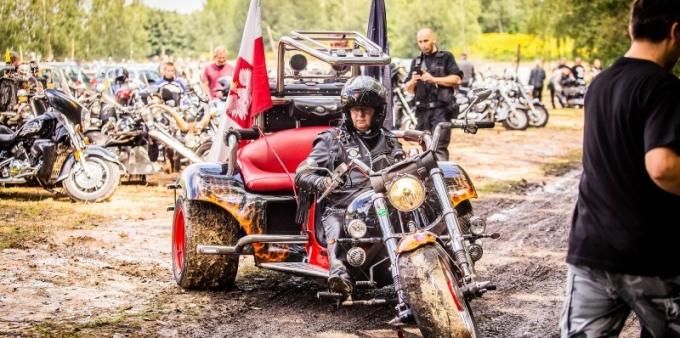 Hanysy na zlocie motocyklowym!